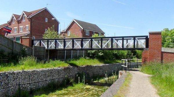 Chesterfield Canal - Renishaw Foundry Footbridge 18B